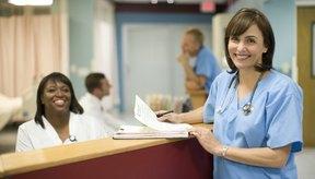 La enfermera juega diversos roles, tanto principales como secundarios en la atención al paciente.