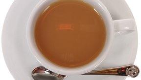 Las investigaciones demuestran que el té y otras bebidas con cafeína te hidratan igual que el agua.