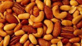Los frutos secos suelen ser buena opción de tentempié para las personas que siguen una dieta baja en carbohidratos.