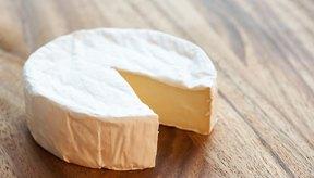 Evita el consumo de productos lácteos enteros, como el queso.