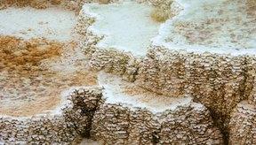 Las zeolitas son minerales cristalinos de aluminosilicatos que se encuentran en depósitos rocosos en todo el mundo.
