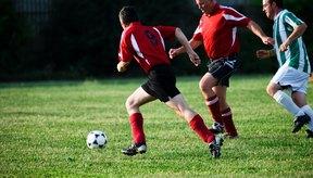 El fútbol requiere de exactitud en los pases.
