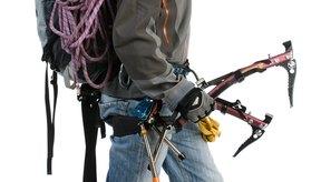 La mochila adecuada puede ayudarte a evitar molestias en el muro de escalada.