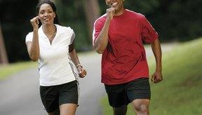 Una caminata diaria de tres millas quema calorías y conduce a la pérdida de peso.