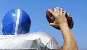Tu agarre (grip) y lanzamiento son la clave para apuntar correctamente un balón de football.