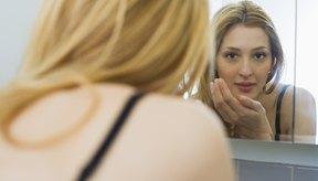 Luego de tatuarte, asegúrate de lavar y cuidar la piel para que el acné no regrese sobre el área.