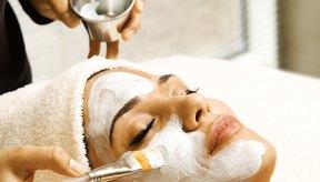 Consulta a tu médico para ver qué tipo de tratamiento facial es el más adecuado para tu tipo de piel.