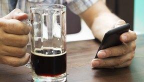 Existen ciertas características asociadas con la dependencia del alcohol.