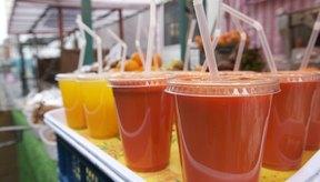 Los jugos de vegetales y frutas son una fuente de vitaminas y otros nutrientes.