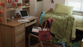 Aunque una pequeña habitación de tu residencia puede hacer que te sientas restringido, puedes hacer una sesión de cardio.