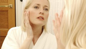 Las cremas de día y de noche restauran la luminosidad a la piel.