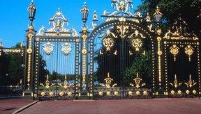 La entrada al Palacio de Versalles en Francia.