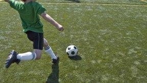 Los deportes que requieren el uso pesado del pie pueden desencadenar lesiones.