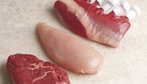 La res y el pollo son las carnes mas frecuentemente consumidas.