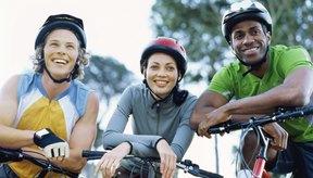 Andar en bicicleta se disfruta más cuando se usa la ropa adecuada.