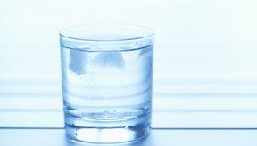 El agua puede mejorar el síndrome del ojo reseco.