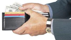 Llevar una billetera sobrecargada atenta contra una apariencia ordenada.