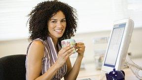 La cafeína puede irritar tu tinnitus.