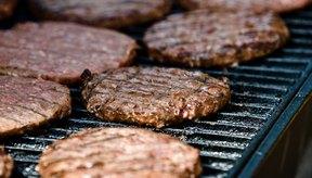 Las hamburguesas de carne congeladas tienen un tiempo de cocción de entre 20 y 25 minutos en la parrilla.