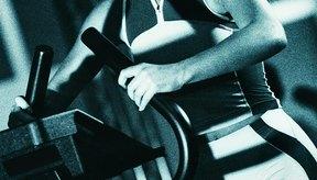 La escaladora es un ejercicio de bajo impacto que te ayuda a reducir la grasa del vientre.