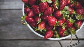 Las frutillas están entre las frutas que benefician tu piel.