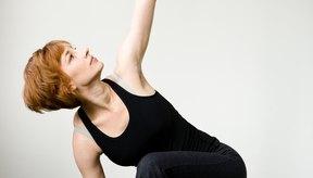 El yoga utiliza tu propio peso corporal para tonificar tus brazos.