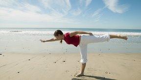 Aparte de hacer trabajar al erector de la columna este ejercicio te ayuda a mejorar el equilibrio.