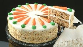 El pastel de zanahoria a menudo contiene una gran cantidad de calorías y grasa.
