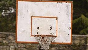 El baloncesto fue inventado en diciembre de 1891 por James Naismith.