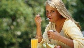 El yogur provee cultivos activos que promueven un estómago saludable.