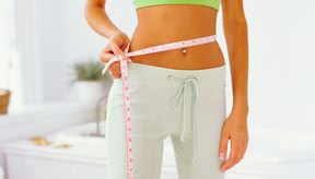 ¿Cuáles son las causas del rápido aumento de peso y los problemas de inflamación abdominal?