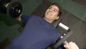 El entrenamiento de circuitos quema más calorías por hora que los tradicionales levantamientos de pesas.