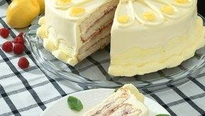 Los pasteles se pueden hacer con claras de huevo o con los huevos enteros.