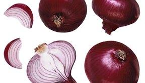 Las cebollas rojas añaden color y sabor a los sándwiches, a las ensaladas y a los platos con granos.