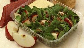 Las verduras de hoja pueden afectar el color de tus evacuaciones intestinales.