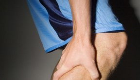 Ciertas vitaminas y minerales pueden ayudar a prevenir los calambres en las piernas.