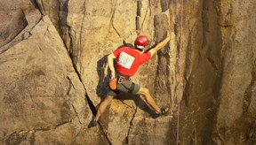 Aprender los conceptos básicos de la escalada en roca es una base sólida para el montañismo.