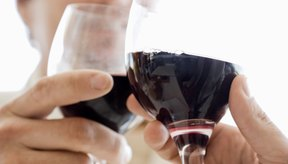 Beber con moderación no provoca ningún problema serio de salud en adultos sanos.