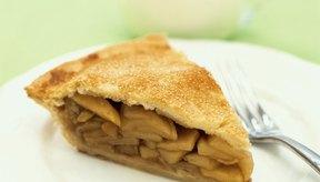 Una porción de pastel de manzana contiene entre 277 y 296 calorías.