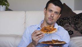 Una rebanada de pizza contiene al menos 200 calorías.