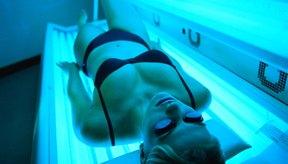 Las camas solares pueden secar y dañar el cabello que está expuesto a los rayos ultravioleta.