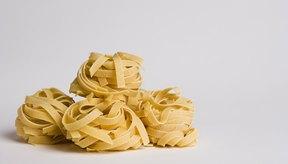 El gluten es una proteína encontrada en algunos tipos de cereales, panes y pastas.