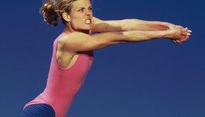 Los jugadores de voleibol necesitan ser muy rápidos para situarse en la posición correcta para devolver o pasar el balón.
