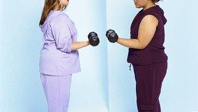 Levanta pesas con un amigo para hacerte responsable del ejercicio.