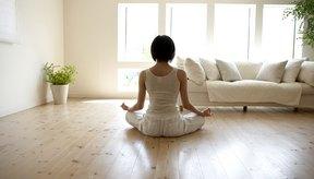 El yoga no estimula la glándula tiroides.