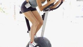 Las desventajas de usar una bicicleta fija incluyen malestar y tensión en la espalda baja.
