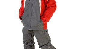 Los snowborders principiantes deben mantener más peso en su pierna delantera para evitar caerse.