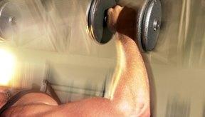 Un hombre delgado debe tomar medidas nutricionales y físicas para ganar volumen.