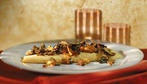 Haz una tortilla de verduras para un desayuno sin carbohidratos para arrancar el día sin azúcar.