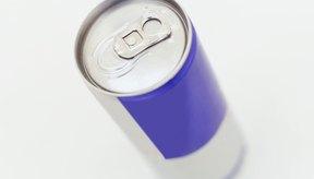 La cafeína es uno de los principales ingredientes que le dan a las bebidas energéticas su impulso de energía.